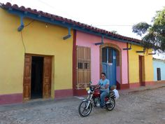 post on Rompiballe On The Road: Cienfuegos e Trinidad #Cuba #travel #travelphotography #holiday #vacation #america #viaggi #ontheroad #Trinidad #houses #architecture