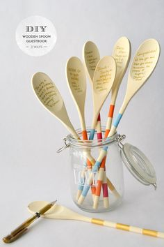 DIY: Wooden spoon guestbook. Great ideas for wedding showers, weddings or housewarming parties. Write advice to the receiver on the spoons!