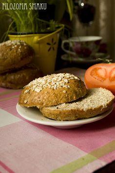 Bułeczki razowe z płatkami owsianymi | Filozofia smaku Hamburger, Baking, Breads, Food, Bread Making, Bread Rolls, Meal, Patisserie, Hamburgers