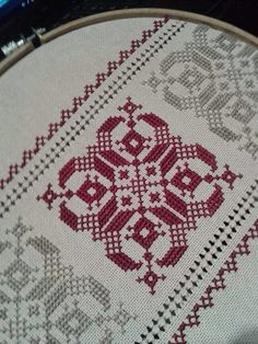 Table runner, simple design but the fabric gives it that sparkle. Cross Stitch Geometric, Cross Stitch Borders, Cross Stitch Designs, Cross Stitching, Embroidery Sampler, Embroidery Monogram, Cross Stitch Embroidery, Embroidery Patterns, Hand Embroidery