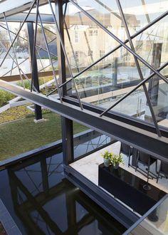 Ber House by Nico van der Meulen Architects 5 Crisscrossing Steel Bars Enriching Modern Residence Design