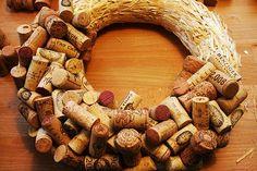 DIY: cork wreath