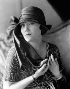 Gloria Swanson, 1921