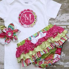 How cute is that set?!? Love the bloomers!