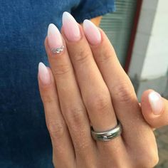 27 + Amazing natural light pink nails design for young lady in 2019 - Almond Nails Light Pink Nail Designs, Light Pink Nails, Pale Pink Nails, Short Almond Nails, Almond Shape Nails, Nails Shape, Short Almond Shaped Nails, French Nails, French Manicures