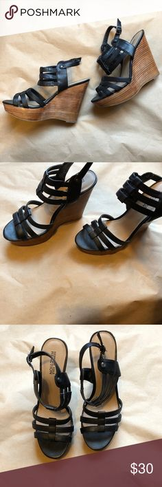 "Kenneth Cole Reaction 5"" Wedges Women's Sz. 8.5 Excellent Condition. Black Kenneth Cole Reaction 5"" Wedges Women's Sz. 8.5 Kenneth Cole Reaction Shoes Wedges"