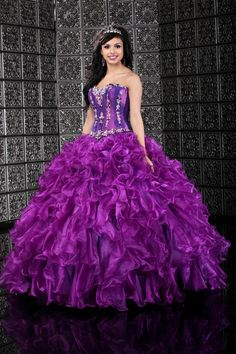 Quinceanera dresses, decorations, tiaras, favors, and supplies for your quinceanera! Many quinceanera dresses to choose from! Quinceanera packages and many accessories available! Sweet 15 Dresses, Pretty Dresses, Beautiful Dresses, Ball Gowns Prom, Ball Dresses, Prom Dresses, Wedding Dresses, Dresses 2013, Bridesmaid Dress