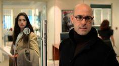 O diabo veste Prada -  A ingênua Andrea é contratada como assistente de Miranda, impiedosa editora de uma revista de moda em Nova York. Aos poucos, descobre que muito jogo de cintura será necessário para se adaptar ao perfil cruel da chefe.