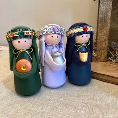 Deluxe Nativity Set 14 Pieces Including Handcrafted Stable | Etsy Nativity Crafts, Christmas Nativity, Nativity Sets, Christmas Crafts For Kids, Simple Christmas, Holiday Crafts, Birthday Gifts For Kids, Diy Birthday, Ideas Decoracion Navidad