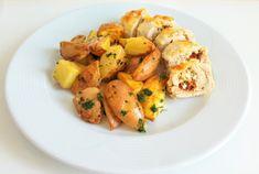 Aszalt paradicsomos túrókrémmel töltött csirkemell petrezselymes újkrumplival - Eddi konyhája Potato Salad, Shrimp, Potatoes, Meat, Vegetables, Ethnic Recipes, Food, Potato, Essen