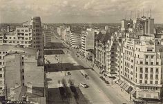Bucureşti 1942 Central And Eastern Europe, Bucharest Romania, Timeline Photos, World War Two, Time Travel, New York Skyline, Times Square, Buildings, City