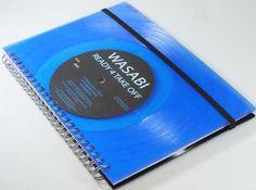 Notizbuch Schallplatte upcycling aus blue Vinyl  von VinylKunst Aurum - Schallplatten Upcycling der besonderen ART auf DaWanda.com