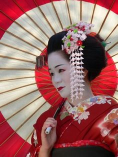 Geishas - So beautiful!                                                       …