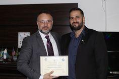 O Secretário da Segurança Pública e Administração Penitenciária do Paraná, Wagner Mesquita, recebeu o agradecimento do chefe de segurança do Consulado.