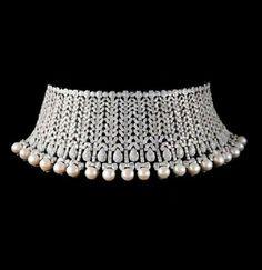 Pearl Fringed Diamond Collier de Chien