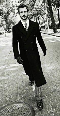 Hugh Dancy | he's so hot i can't handle this