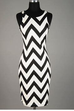 I haven't liked this pattern in anything else I've seen, but love this dress!