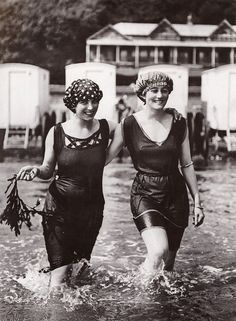 Going swimming, 1925