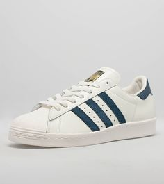 adidas Originals Superstar 80s DLX - find out more on our site. Find the freshest in trainers and clothing online now.
