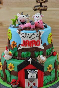 LA GALLETA ENCANTADA: TARTA FONDANT GRANJA Farm Animal Cupcakes, Farm Animal Party, Barnyard Party, Farm Party, Farm Cake, Fondant Decorations, 1st Boy Birthday, Cute Cakes, Cake Creations