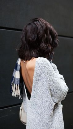 #fall #fashion / open-back gray knit