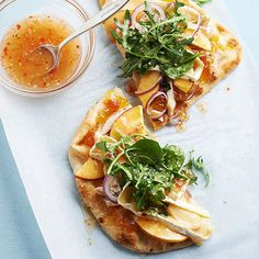 Yum! This fun take on summer pizza features Brie, chicken, red onions and arugula. More recipes from the magazine: http://www.bhg.com/recipes/from-better-homes-and-gardens/july-2013-recipes/?socsrc=bhgpin061713flatbreadpizza=15