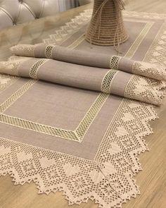 Crochet Tablecloth, Crochet Doilies, Crochet Lace, Crochet Edgings, Counted Cross Stitch Patterns, Filet Crochet, Hand Embroidery, Sewing Projects, Crochet Patterns