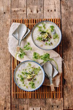 Make delicious Chinese congee with slow-cooked flavor––from scratch––in 20 minutes! This exciting technique drastically cuts the usual congee cooking time. Egg Recipes, Asian Recipes, Cooking Recipes, Healthy Recipes, Ethnic Recipes, Oriental Recipes, Asian Foods, Dinner Recipes, Asian Cooking