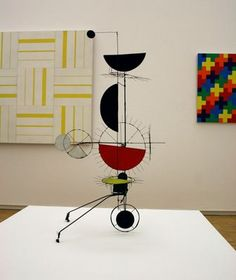Miro (this looks like Calder to me--MBR) Jean Tinguely, Modern Sculpture, Sculpture Art, Kinetic Art, French Art, Ancient Art, All Art, Art Boards, Painting & Drawing