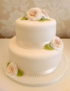 2 tier wedding cake with sugar vintage roses