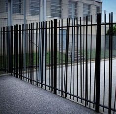 5 All Time Best Tips: Steel Fence Horizontal black fence diy.Garden Fence Blue b. 5 All Time Best Green Fence, Black Fence, White Fence, Aluminum Fence, Metal Fence, Fence Stain, Metal Railings, Pallet Fence, Backyard Fences