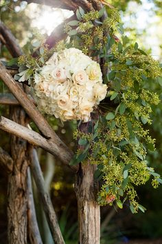 california wedding flowers | Shearer_Perkins_Daniel_Boone_Photography_CeremonyDetail_low