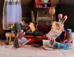 MousesHouses - charming blog reminds me of making dioramas as a child....