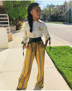 Love this stylish outfit on Skai Jackson. Lovin' the lk