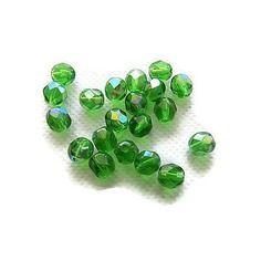 Perles de verre à facettes irisées vert  7x6mm x 20