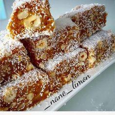 No photo description available. Snack Recipes, Dessert Recipes, Delicious Desserts, Cooking Recipes, Yummy Food, Kunafa Recipe, Turkish Sweets, Food Club, Healthy Muffins