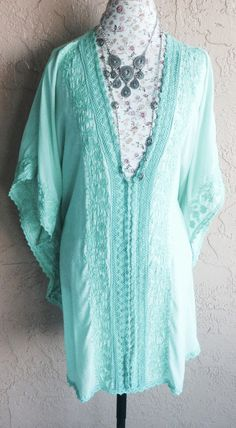 Romantic cape sleeve Mint green embroidered beach