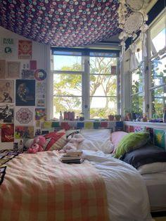 Teen Bedroom Designs, Room Design Bedroom, Room Ideas Bedroom, Home Decor Bedroom, Bedroom Inspo, Chill Room, Cozy Room, Chambre Indie, Indie Room Decor