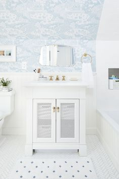 Kids Pull Out Vanity Childrens Bathroom Wallpaper white bathroom All White Bathroom, Mold In Bathroom, Jack And Jill Bathroom, Small Bathroom, Bathroom Ideas, Bathroom Inspiration, Master Bathroom, Bathroom Inspo, Vanity Bathroom