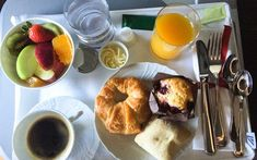 The Breakfast Foods You Should Never Eat on a Plane, According to Flight Attendants
