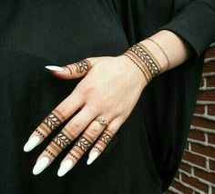 Mehndi is something that every girl want. Arabic mehndi design is another beautiful mehndi design. We will show Arabic Mehndi Designs. Henna Tattoo Designs Simple, Finger Henna Designs, Henna Art Designs, Stylish Mehndi Designs, Mehndi Design Photos, Mehndi Designs For Fingers, Dulhan Mehndi Designs, Best Mehndi Designs, Mehandi Designs