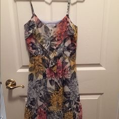 Jessica Simpson Floral Sundress Size Small. In excellent used. condition only worn a couple of times. Jessica Simpson Dresses