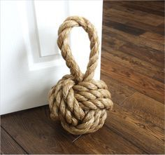 How to tie a Monkey's Fist knot #sailing #sailor #knot, knots, knitting, nautic, rope