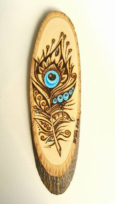 In Greek Mythology the peacock feathers contain the eyes of Argos. Who needs an extra eye? -Original pyrography by MaTio wood burning diy crafts Wood Burning Crafts, Wood Burning Patterns, Wood Burning Art, Pyrography Patterns, Pyrography Ideas, Got Wood, Wood Burner, Wood Creations, Peacock Feathers