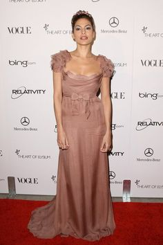 Eva Mendes ~ beautiful gown