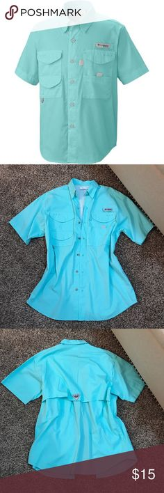 Columbia Fishing Top Men's size small but fits like a women's loose medium. Last photo is an accurate pic of the color. Never worn. Excellent condition. Columbia Tops Tees - Short Sleeve