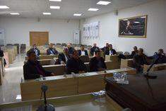 """Tekirdağ Büyükşehir Belediyesi Tarımsal Hizmetler Dairesi Başkanlığı, """"Tarla Yollarının Bakım ve Onarımı"""" ile ilgili bir toplantı gerçekleştirdi.  Büyükşehir Belediyesi Meclis toplantı salonunda 11 ilçenin Çiftçi Mallarını Koruma Başkanlıklarının da katıldığı bir toplantı gerçekleştirildi.   #haber #haberi #haberler #haberleri #TarımsalHizmetler #TarlaYollarınınBakım #Tekirdağ #TekirdağBüyükşehirBelediyesi"""