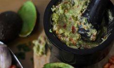 Συνταγή για να φτιάξετε κι εσείς γουακαμόλε Nachos, Guacamole, Mexican, Ethnic Recipes, Food, Greek Recipes, Essen, Meals, Tortilla Chips
