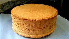 Fluffy yogurt sponge cake without oil or butter. Sweet Recipes, Cake Recipes, Dessert Recipes, Cake Cookies, Cupcake Cakes, Peruvian Recipes, Baking Tins, Sponge Cake, Sweet Cakes
