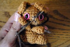 How to embroider faces on amigurumi.